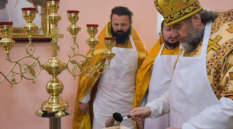 Митрополит Симеон освятив храм у нашому училищі